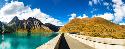 Poster de jardin Barrage Panorama from dam of Morasco Lake