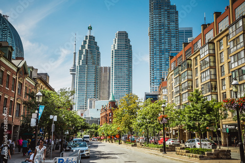 Canvas Print Rush hour atToronto's busiest intersections