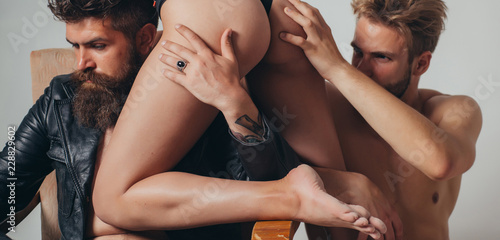 Foto  Threesome group sex game