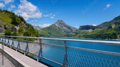 Tuinposter Dam Barrage alpin de Roselend en Savoie