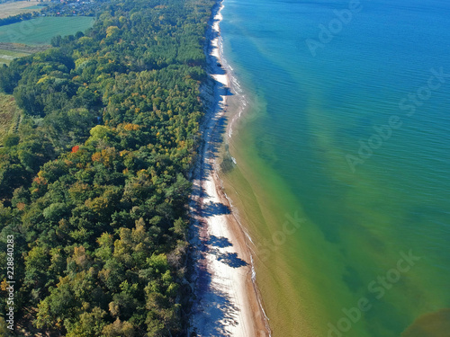 Keuken foto achterwand Luchtfoto Aerial view on landscape with sea, sand beach and green forest.