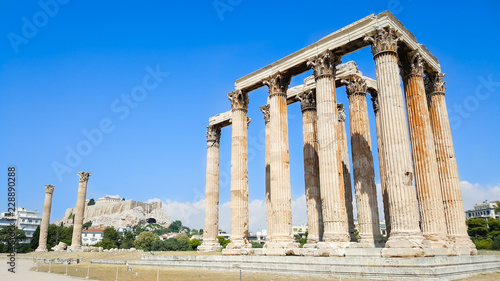 Staande foto Bedehuis Temple of Olympian Zeus and Acropolis Hill, Athens, Greece