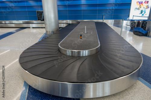 Poster Aeroport airport baggage conveyor belt