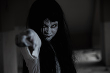 Horror Woman Ghost Creepy Stand Point Finger Out Creepy,