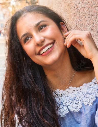 Cuadros en Lienzo Il sorriso di una bella ragazza