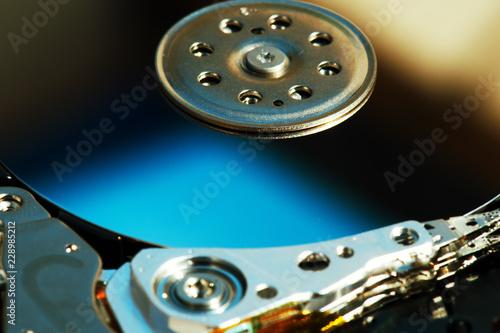 Fotografia  Detail of hard disk components.