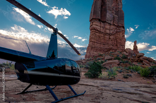 Poster Helicopter Helicopter In The Deserts Of The American Southwest