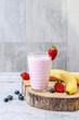 How to make fruit smoothie using blender, tutorial.