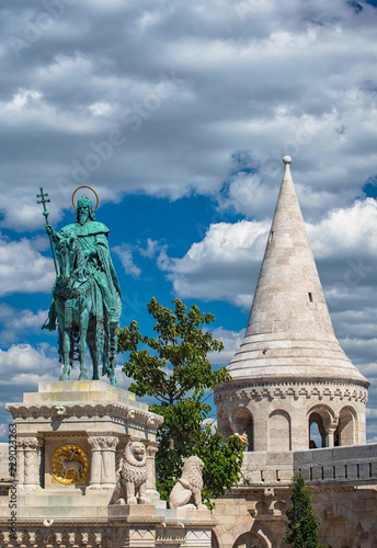 Fotografie, Obraz  Statue of Saint Stephen I in Front of Fisherman's Bastion, Budapest