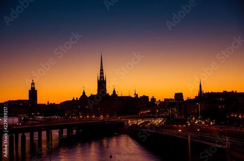 Photo  Silhouette of Stockholm cityscape skyline at sunset, dusk, Sweden