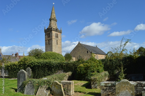 Leinwand Poster Cupar Old Parish Church, with early 15th century tower and spire of 1620