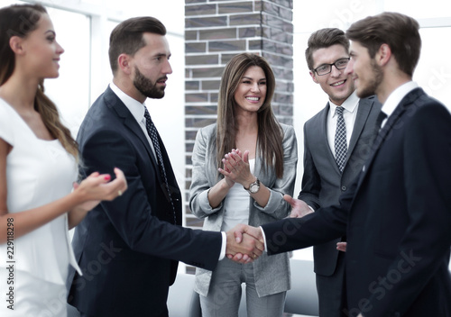 Fototapety, obrazy: business team applauds its leaders
