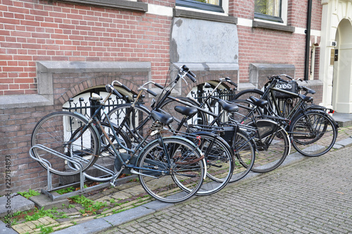 Foto auf AluDibond Fahrrad Row of bicycles