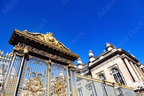 Obraz na plátně France, Paris, île de la Cité, 5 octobre 2018: porte d'entrée du palais de justi