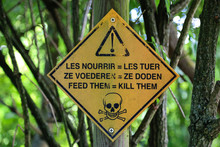 Warning Sign, Don't Feed The A...