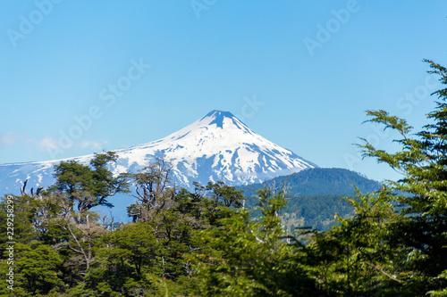 Hermosos volcanes de la Cordillera de los Andes Chile Fototapet