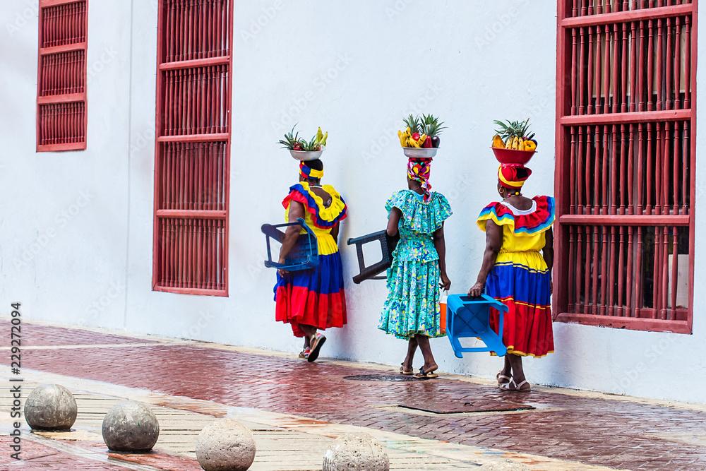 Fototapety, obrazy: Traditional fruits street vendor in Cartagena de Indias called Palenquera