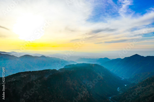 Fotobehang Zwavel geel 紅葉 称名滝 2018年10月22日 空撮