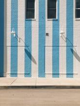 Striped Stylish Shopping Wall