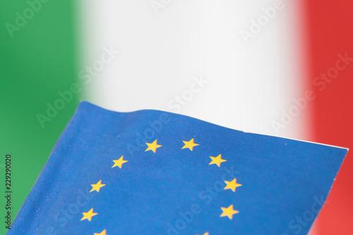 Flagge von Italien und der Europäischen Union EU