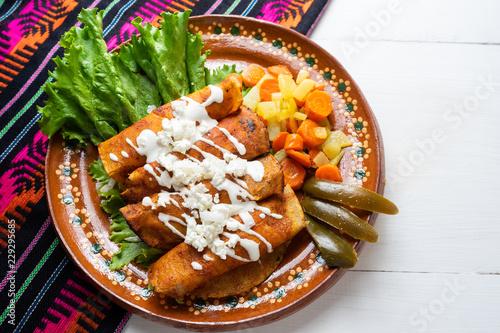 "Mexican enchiladas style ""Queretanas"""