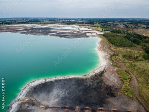 Fotomural Lazurowe jezioro Osadnik Gajówka z lotu ptaka
