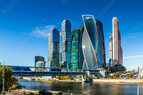 Poster Abou Dabi MOSCOW, RUSSIA - SEPTEMBER 26, 2018: View of the Moscow International Business Center from the quay of Taras Shevchenko, Moscow, Russia