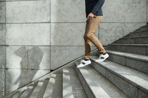 marche escalier descendre jambe marcher marbre trajectoire Wallpaper Mural