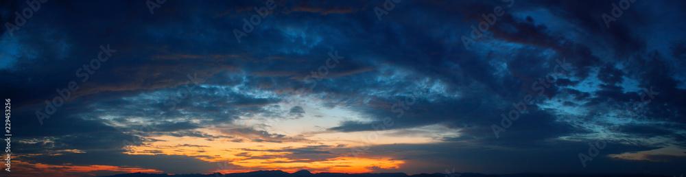 Fototapety, obrazy: Himmel bei Abenddämmerung