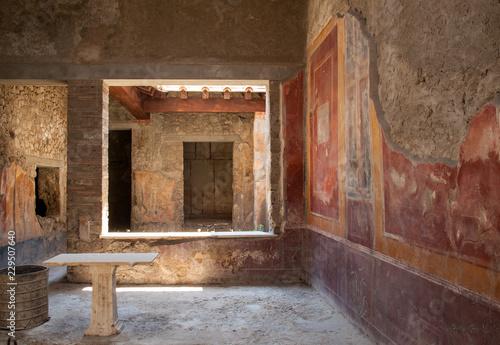 Obraz na płótnie Interior of the buildings of Pompeii, destroyed by the volcano Vesuvius