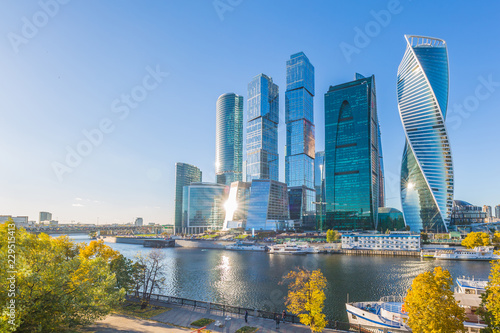 Obraz na plátne Moscow city skycraper, Moscow International Business Centre at autumn time with Moscow river, Russia