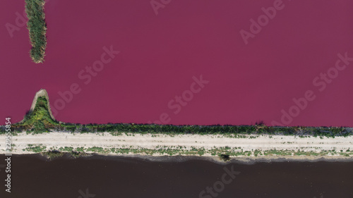 Staande foto Crimson Aerial View of Pink Lake Ponds
