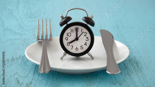 Cuadros en Lienzo Intermittent fasting and meal planning concept
