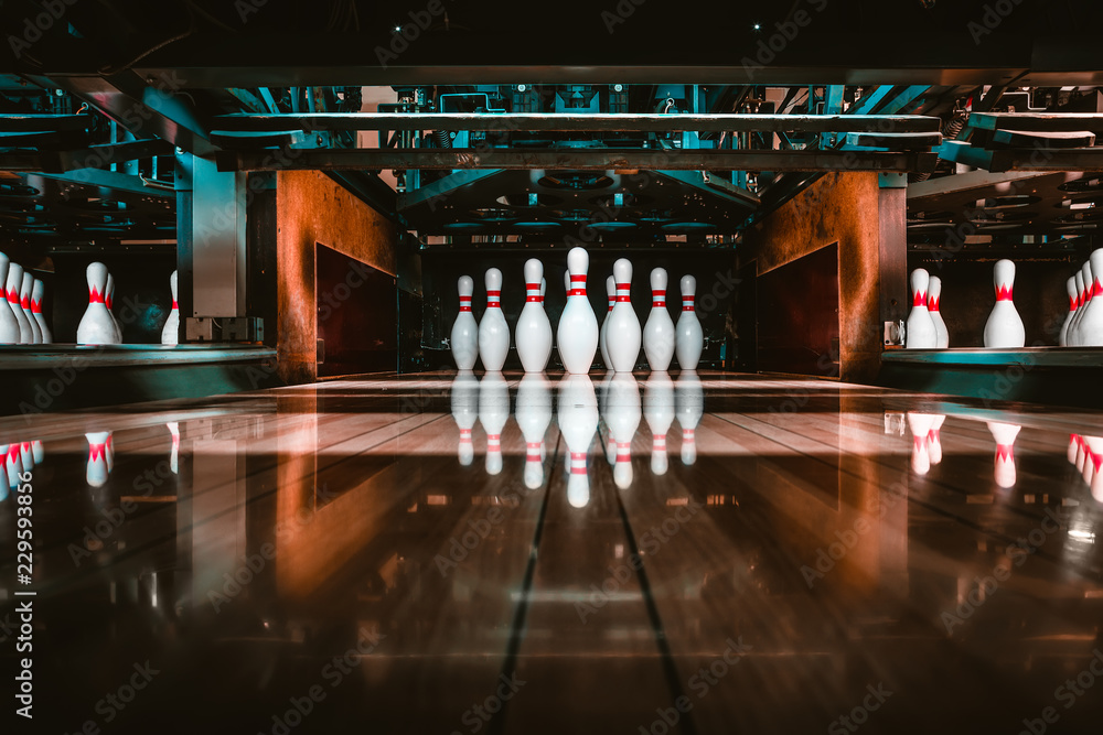 Fototapety, obrazy: bowling alley. pins.
