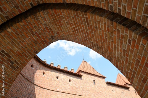 Foto  Arch at historical fort in Warsaw, Poland
