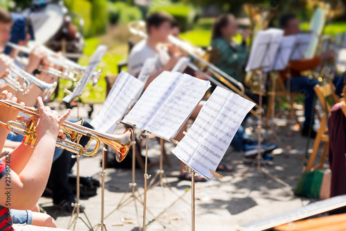 Fotografiet orchestra classical music concert outdoors in  park