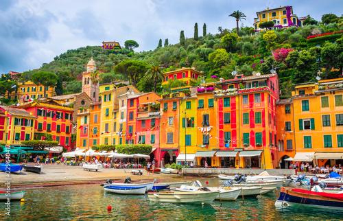 Photo sur Aluminium Ligurie Beautiful bay with colorful houses in Portofino, Liguria, Italy