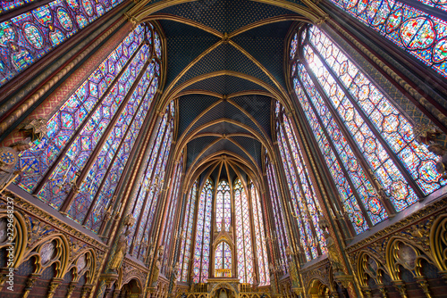 Cadres-photo bureau Edifice religieux PARIS, FRANCE - May 8, 2016: Beautiful interior of the Sainte-Chapelle (Holy Chapel), a royal medieval Gothic chapel in Paris, France..