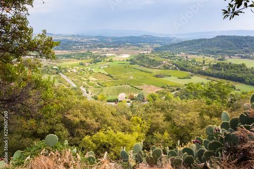 plaine du Calavon vue de Gordes, Luberon, Vaucluse, France