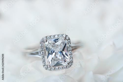 Valokuvatapetti Diamond Ring