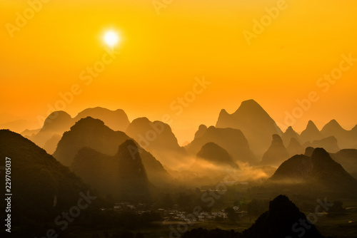 Photo Stands Guilin Sunrise Landscape of Guilin , Li River and Karst mountains called Xingping