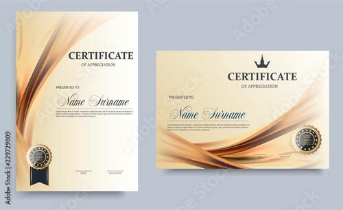 Fotografia  Certificate template in vector for achievement graduation completion - stock v