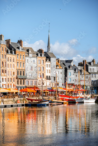 Waterfront with beautiful old buildings in Honfleur, famous french town in Normandy Fotomurales