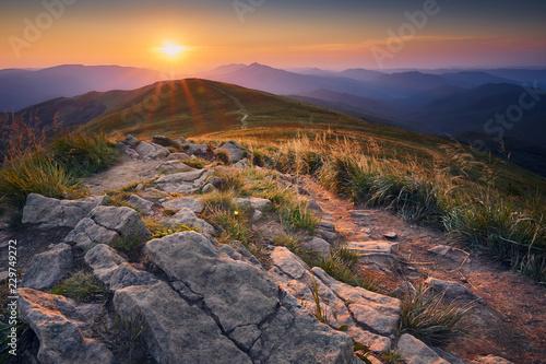 Obraz Zachód słońca w Bieszczadach - fototapety do salonu