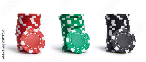 Fotomural A stacks of casino chips isolated on white background