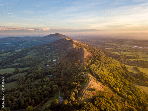 Αφίσα Aerial View overlooking the Malvern Hills at Sunrise