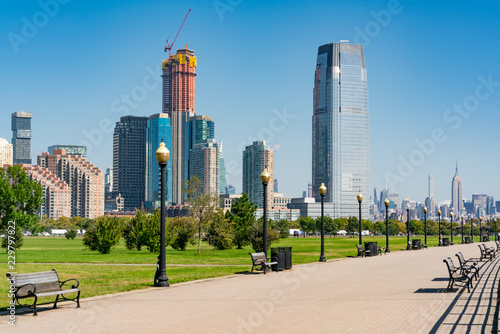 Fotomural Skyline of Jersey City, New Jersey along path in Liberty State Park