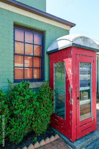 Photo  red telephone booth