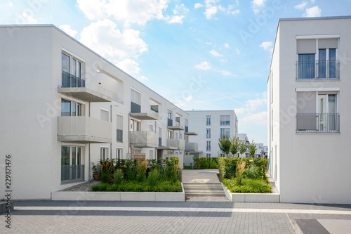 Fototapeta Modern apartment buildings in a new residential area in the city obraz