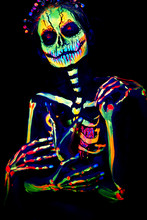 UV Body Art Painting Of Hellow...